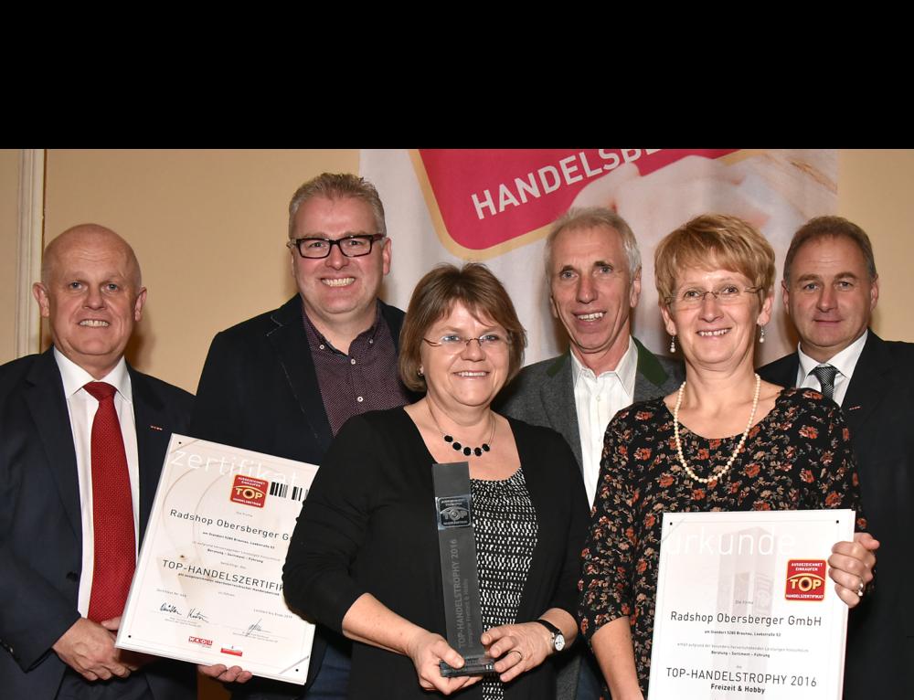 Radshop-Team erhält TOP Handelstrophy 2016